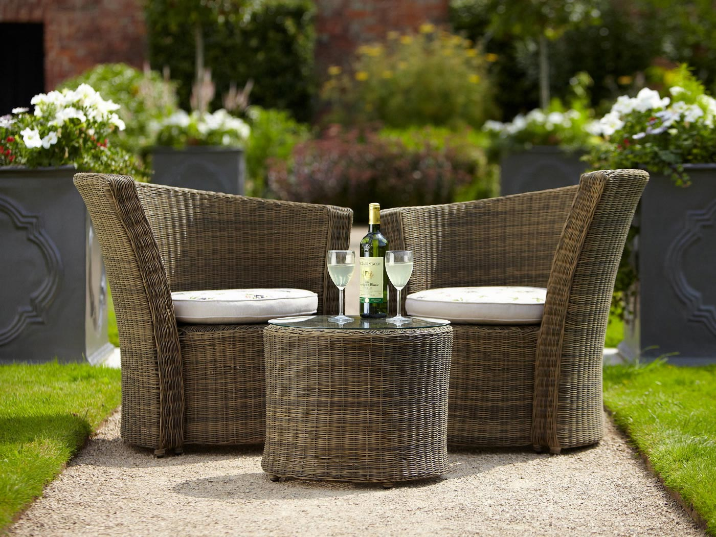 Choosing The Best Garden Furniture Thehomelifestyle